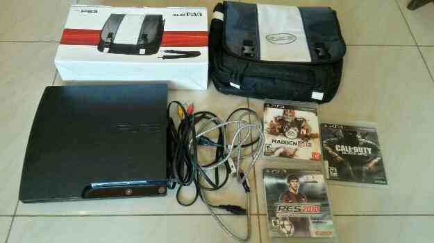 Vendo Play Station 3 Super Slim con todos sus accesorios