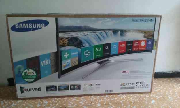 Vendo Smart TV  Samsung Curvo 55  Ultra HD TV LED UN55J6500AK