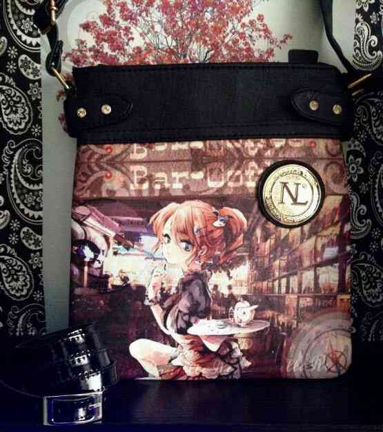 Vendo Cartera Nicole Lee nueva