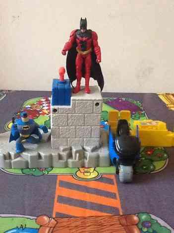 El Increíble Batman Versión Rojo Y Clásico