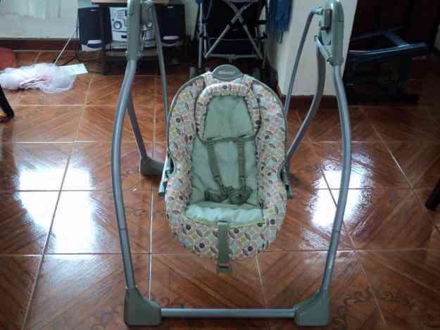 VENDO MECEDORA MARCA BABYS