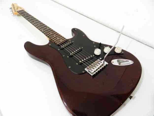 Vendo Guitarra marca Rockstar 5 tonos