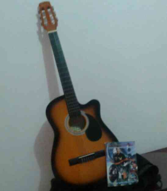 Vendo Gitarra Freedom