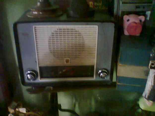 Vendo radio de tubo