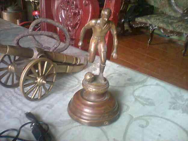 Vendo muñeco de bronce