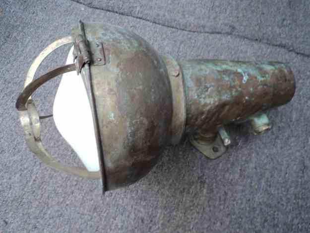 Excelente Lampara de barco muy antigua de bronce