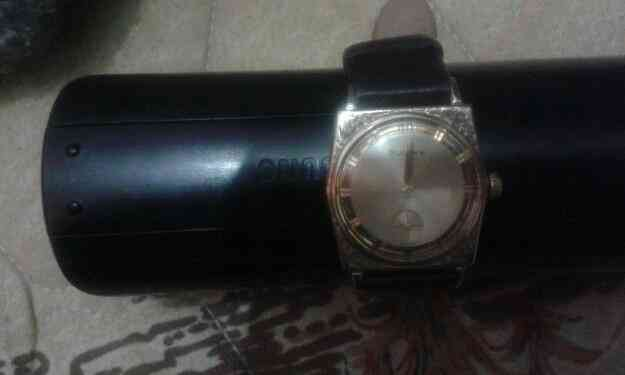 Excelente reloj bulova enchapado en oro