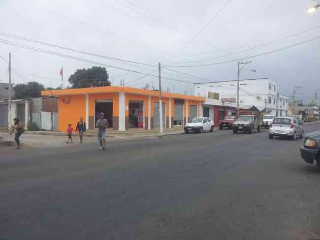 Bahía de Caráquez, Locales comerciales  en venta L. Plaza