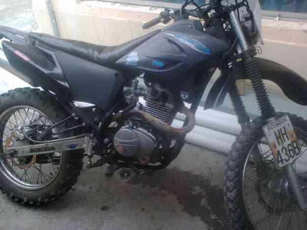 Bonita moto SUKIDA PODEROSA 250..