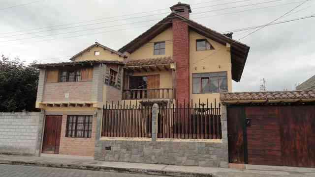 En Otavalo vendo hermosa casa