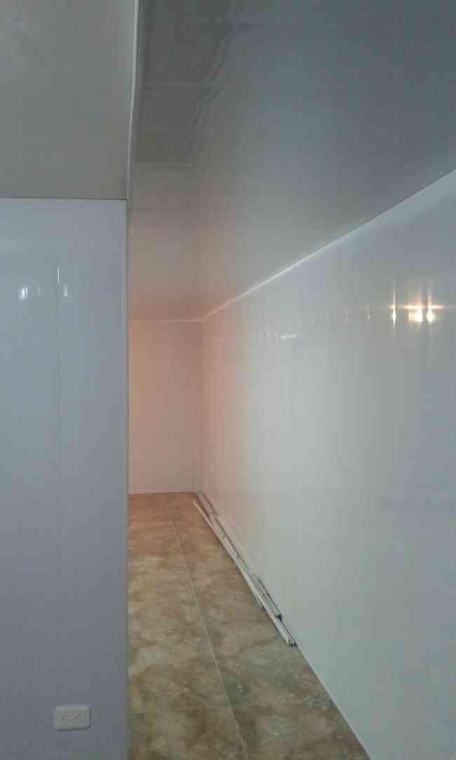 De pvc para paredes panel de pvc mm para paredes y techos - Paneles para revestir paredes ...