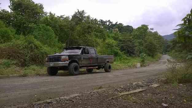 Vendo ford 350 custom del 92