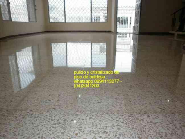 Servicios de pulido y cristalizado de pisos de baldosa for Pulido de pisos de marmol