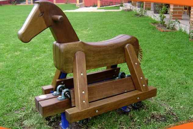 venta y diseos de juegos infantiles de madera quito doplim with juegos infantiles de madera para exterior