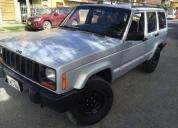 Vendo o cambio con camioneta 4x4 jeep cheroke excelente estado