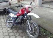 Vendo linda moto dt  japonesa.contactarse.