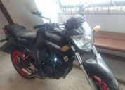 Vendo moto yamaha fz 2012 llanta ancha  excelente estado