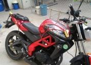 Vendo moto,contactarse