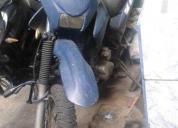 Vendo esta moto tipo enduro aÑo 2011