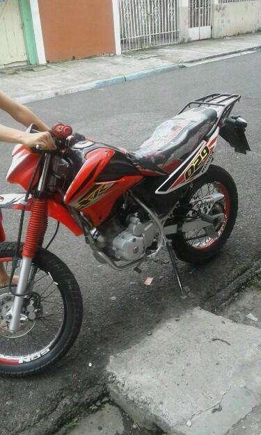 Excelente Moto Honda XR 125L