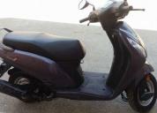 Vendo excelente moto honda
