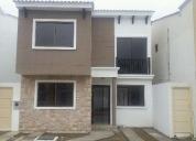 Alquilo casa en urbanizacion