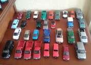 Vendo todo el lote de 57 autos y vehículos a escala