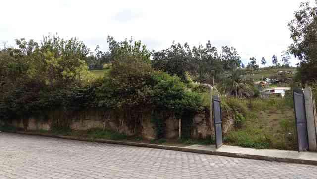 Vendo terreno de 2.817 m2 en Otavalo