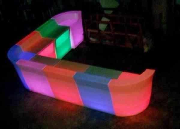 MOBILIARIO LED ALQUILER EN GUAYAQUIL 0997360651