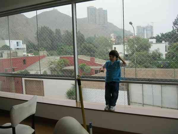 Mallas de seguridad y protecci n para hogares ventanas - Proteccion para terrazas ...