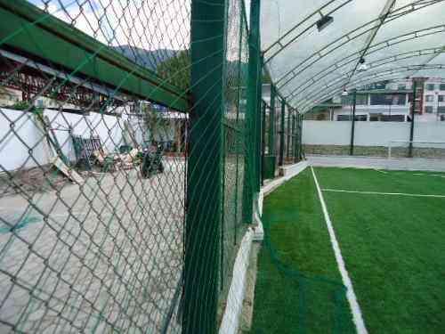 Instalacion de mallas en nylon para canchas deportivas