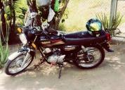 Vendo moto yamaha todo los papeles al dia.