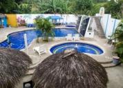 Habitaciones confortables con piscina