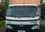 Excelente camión hino en elexentes estado