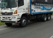 Excelente camión hino fm 2 año 2015