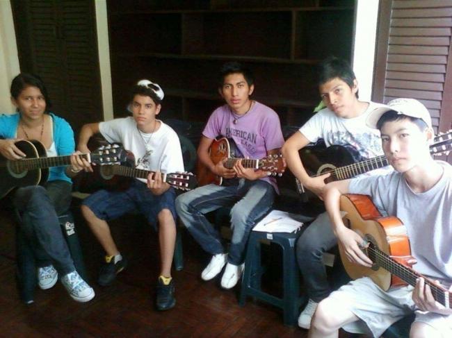 Cursos d Guitarra Clasica y Electrica