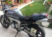 Vendo excelente moto fz 600