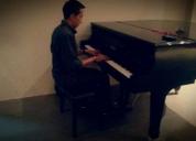 Excelente clases de piano.