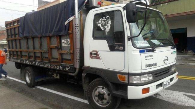 Vendo Flamante Camion Hino FB4 2002. Aprovecha ya!.