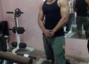 Busco trabajo de instructor de ginnasio.