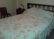 Se renta un dormitorio amoblado con baño privado.