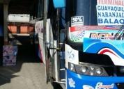 Se vende lindo bus con puesto