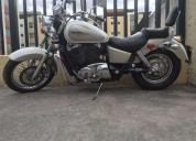 Vendo hermosa moto honda shadow año 1996. contactarse.