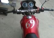 Hermosa moto honda satorm