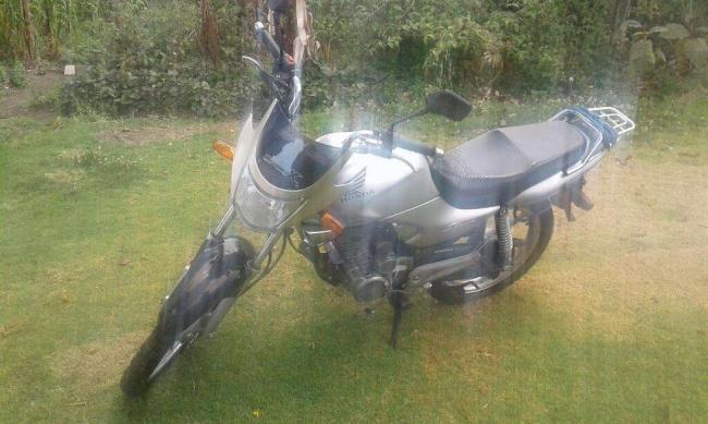 Excelente Moto Honda Seminueva