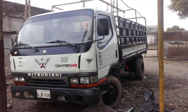 Excelente Mitsubishi Canter 95