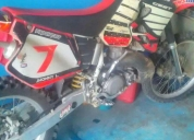 Vendo honda cr 250,buen estado