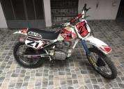 Vendo motocicleta marca honda modelo xr 100r de 1999. contactarse.