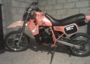 Vendo excelente moto marca honda