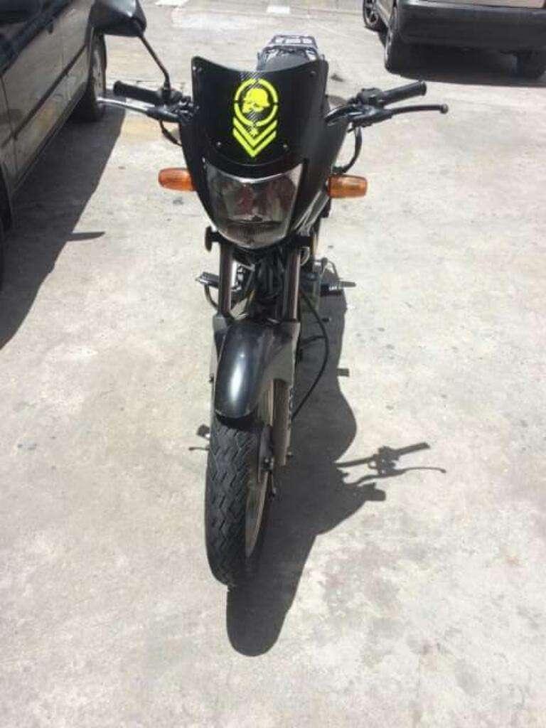 Vendo O Cambio Moto Honda Storm. Contactarse.